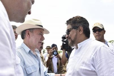 Culmina entrega de armas de FARC con acto oficial en sur de Colombia
