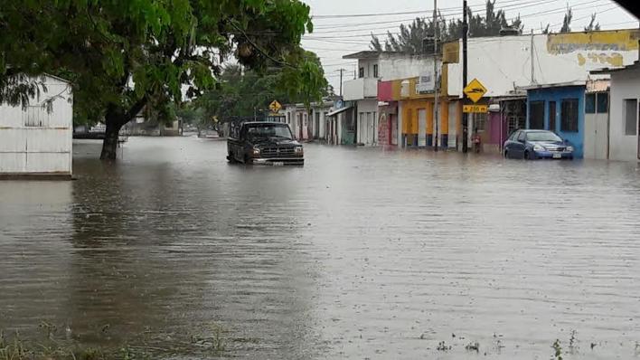 Continúan lluvias inusuales en Veracruz