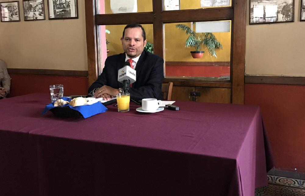 Manlio Fabio Casarín, interesado en la rectoría de la UV