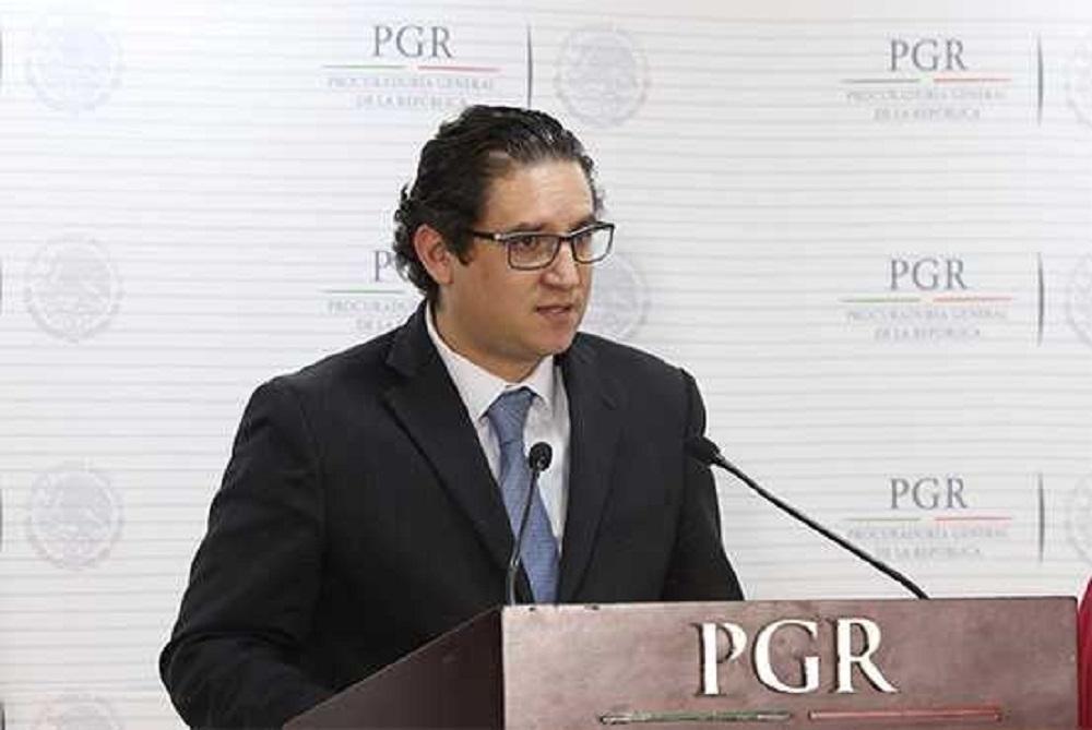 Crea la PGR grupo especial para investigar presunto espionaje telefónico