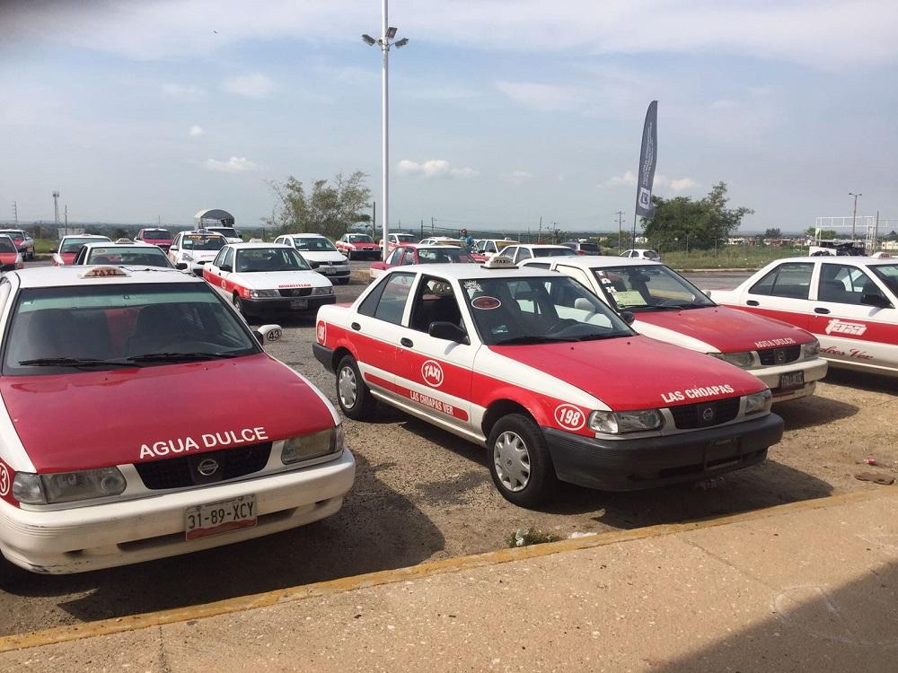 Se preparan taxistas de Coatzacoalcos para revista vehicular