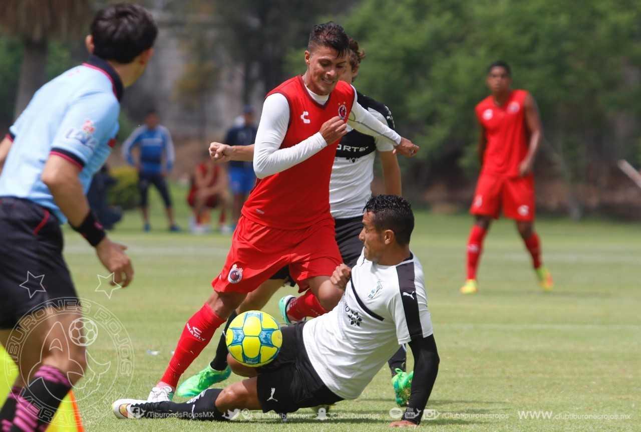 Tiburones Rojos empatan 1-1 con Querétaro