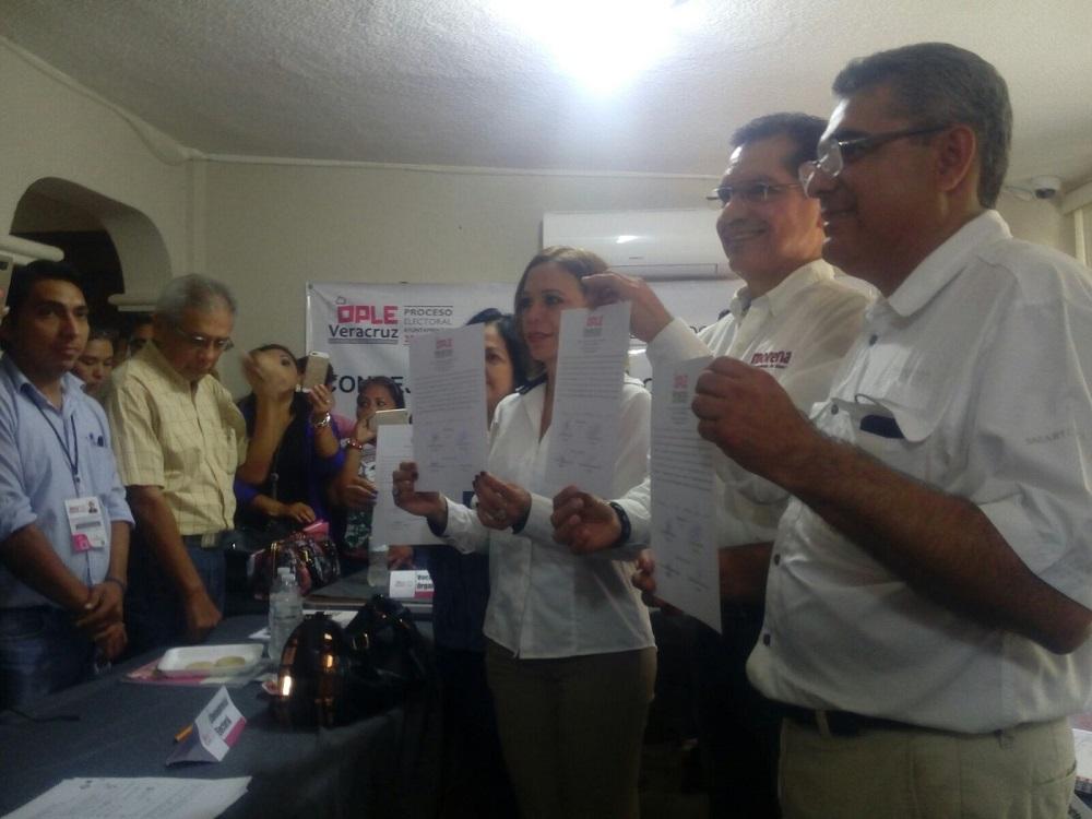Entregan constancia de mayoría a Víctor Carranza Rosaldo, presidente electo de Coatzacoalcos