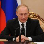 Rusia dispuesta a dar asilo a exdirector del FBI: Vladimir Putin