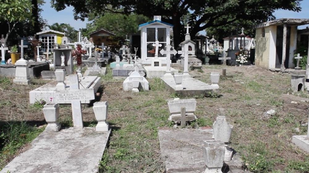 Cementerio municipal de Pánuco a su máxima capacidad; no hay proyecto de uno nuevo