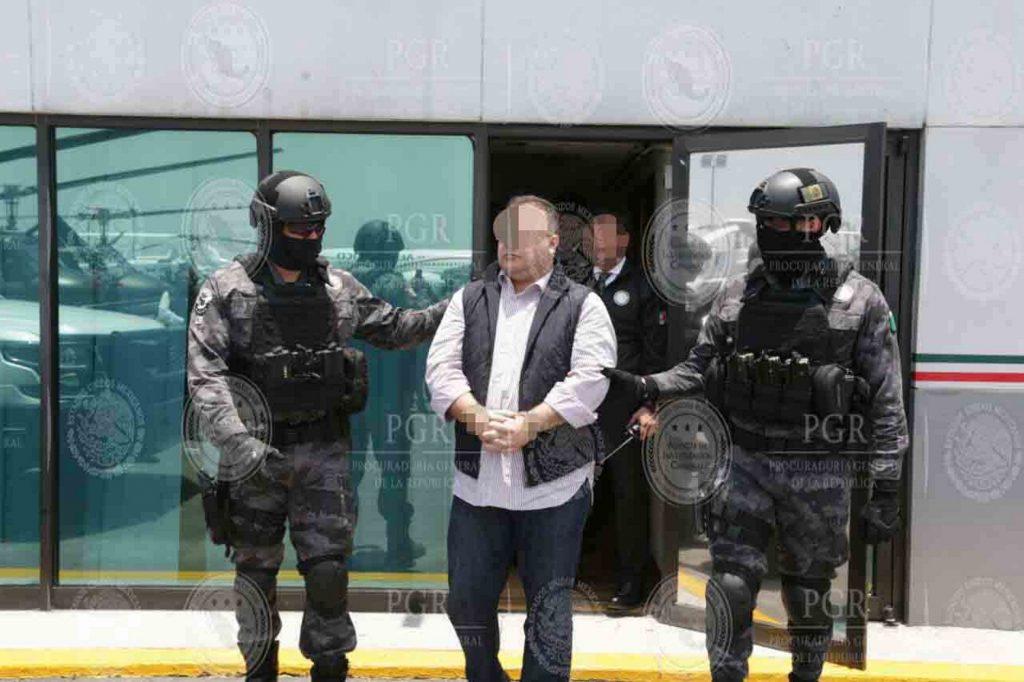 Ejecuta FGE órdenes de aprehensión contra exgobernador de Veracruz