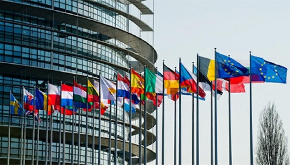 Eurocámara vislumbra visas humanitarias para entrar en la UE
