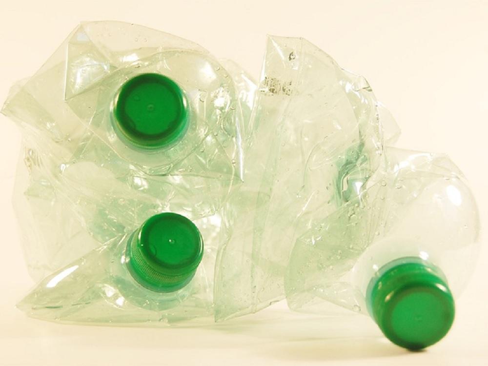 Con un método original de enzimas recombinantes, científicas de la UNAM degradan plástico en 15 días