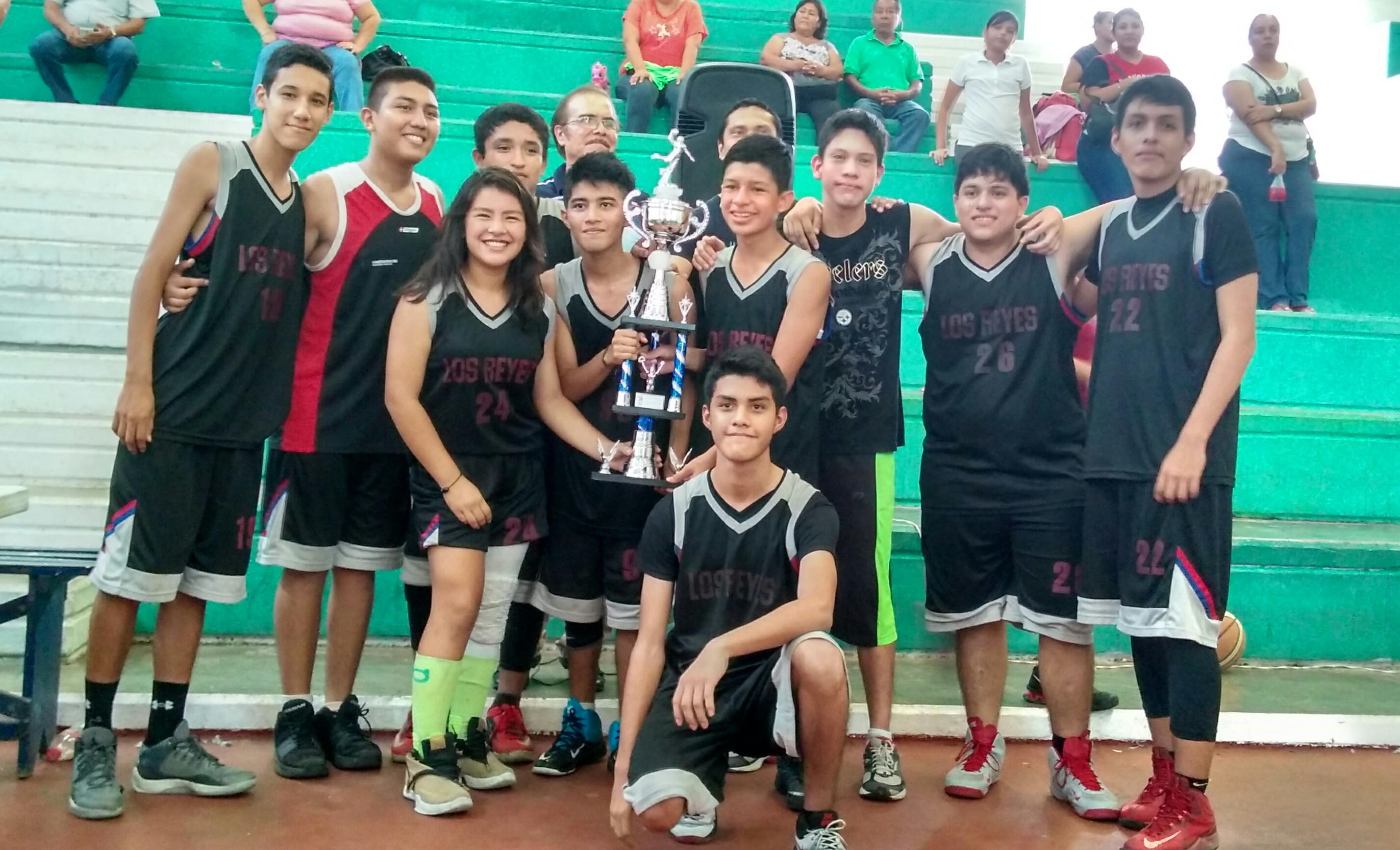 Reyes ganan liga municipal de baloncesto de Coatzacoalcos