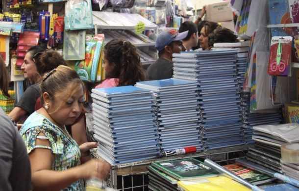 Muchos padres de familia aún no compran la lista de útiles escolares