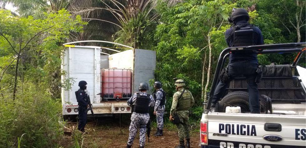Seguridad Pública recupera, con uso de drones, combustible robado y clausura toma clandestina en Acayucan