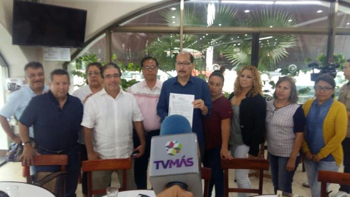 Denuncian irregularidades en cobros de la UVM; afecta a 150 egresados de Medicina