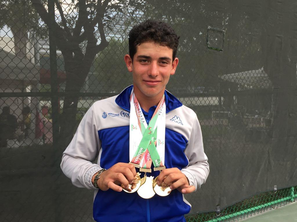 Viaja Eduardo Mustre a Europa para Mundial de tenis Sub 14