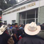 Productores de maíz se manifiestan en la Sedarpa; piden fertilizante subsidiado