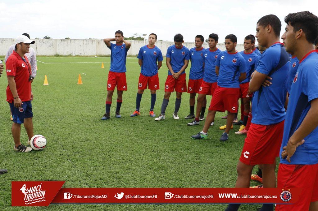 Los Tiburones Rojos Sub-17 por el liderato en la Liga MX