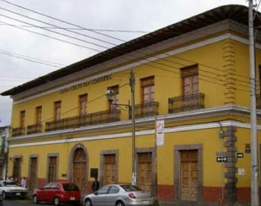 Alumnos de la Casa de Cultura de Coatepec exhiben su obra en el Congreso del Estado