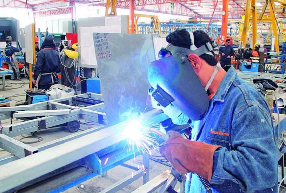 Orienta STPS a trabajadores formales sobre prestaciones sociales