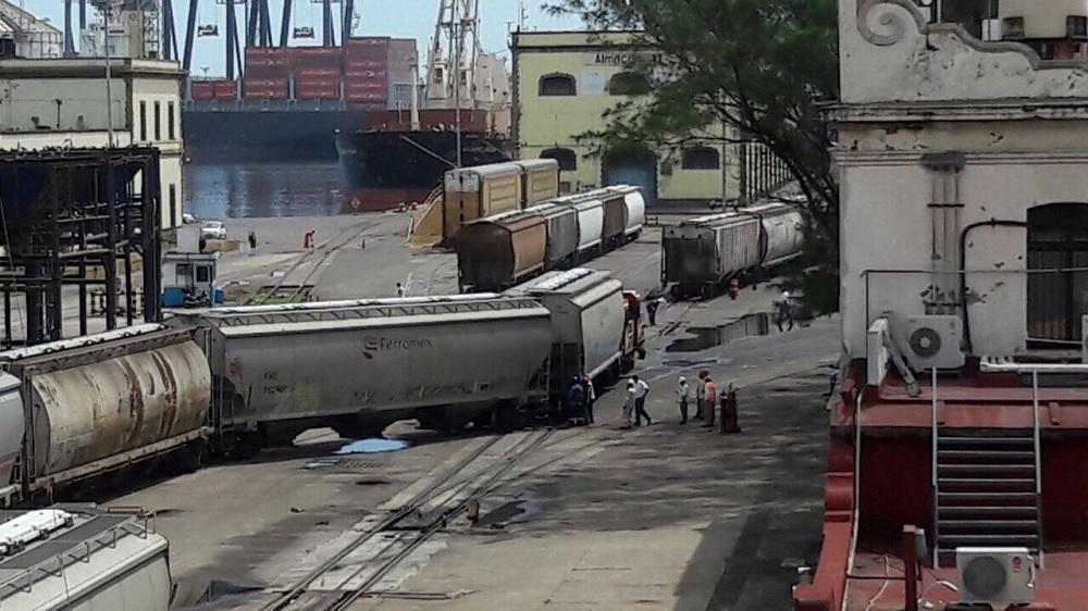 Resultado de imagen para descarrilamiento de tren veracruz