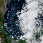 Texas se alista a enfrentar la furia de Harvey