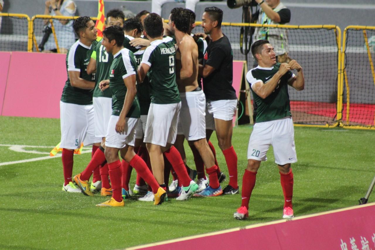 México abre con triunfo en fútbol varonil: 3-0 a China Taipei