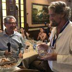 Primer científico de la UNAM que recibe premio internacional por estudios sobre crustáceos