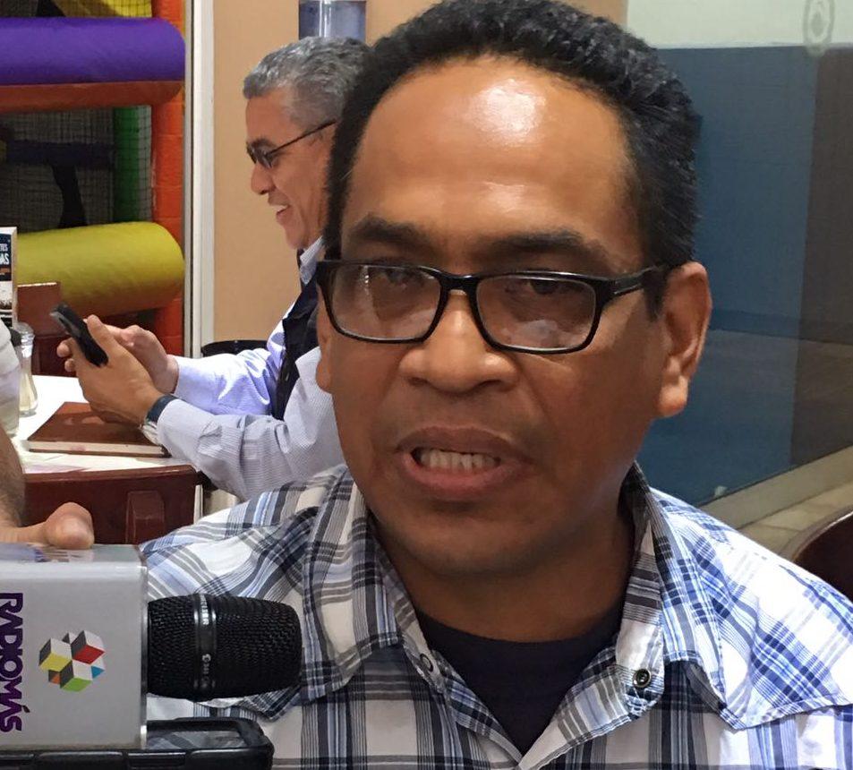 Lenin Torres Antonio aspira a ser rector de la UPAV