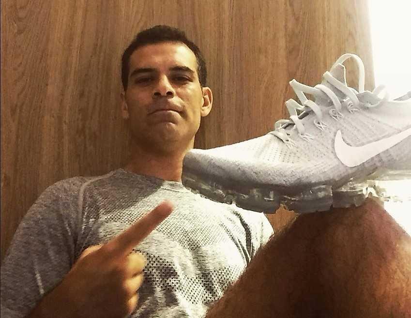 Caen patrocinios de Rafa Márquez; su club lo apoya, pero lo separa del plantel