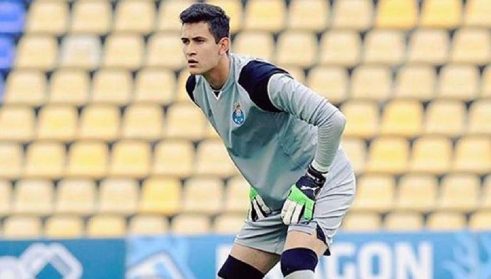 APOEL de Chipre anuncia fichaje de portero mexicano Raúl Gudiño