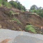 Estudiarán si falla geológica provocó socavón en la carretera Xalapa-Naolinco
