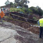 Por nuevo socavón se restringe la circulación de camiones pesados en la carretera a Naolinco