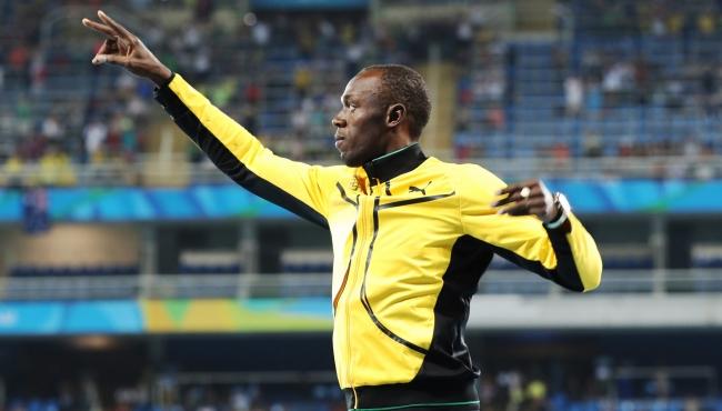Usain Bolt es invitado a partido de leyendas con Manchester United