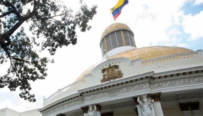 EUA ordena el retiro de todo su personal diplomático de Venezuela