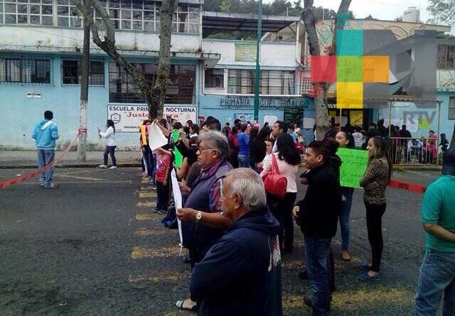 Padres de familia piden dictamen técnico de la escuela Miguel Hidalgo en Xalapa