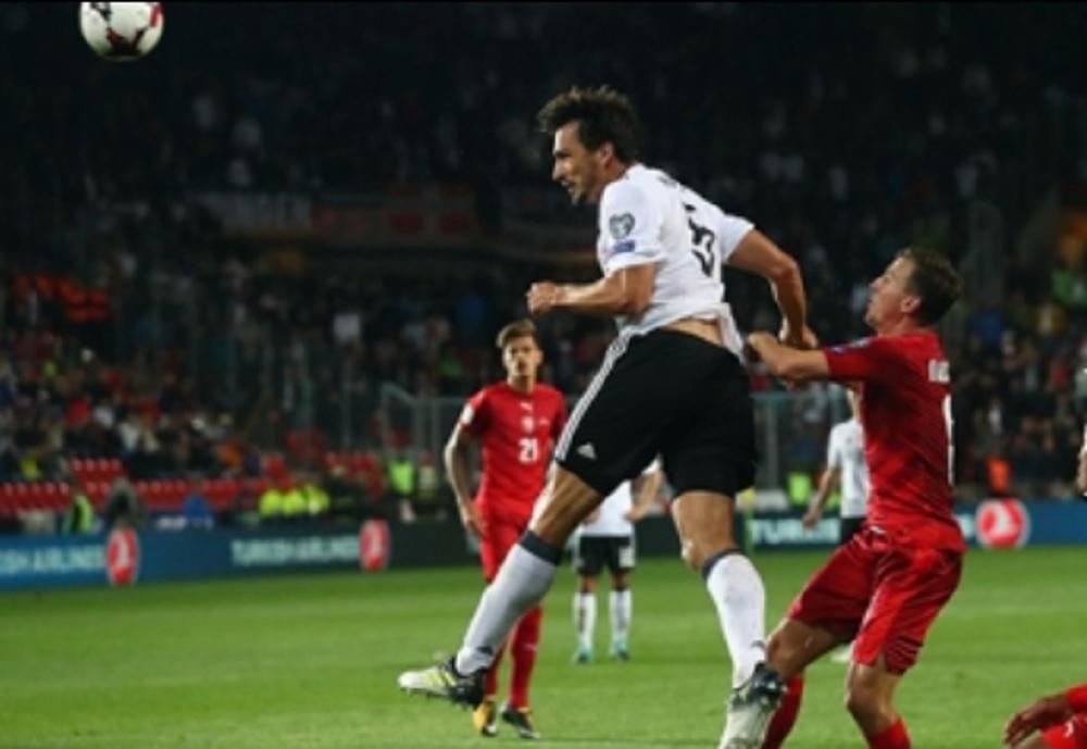 Alemania gana y se acerca al boleto para el Mundial de Rusia 2018