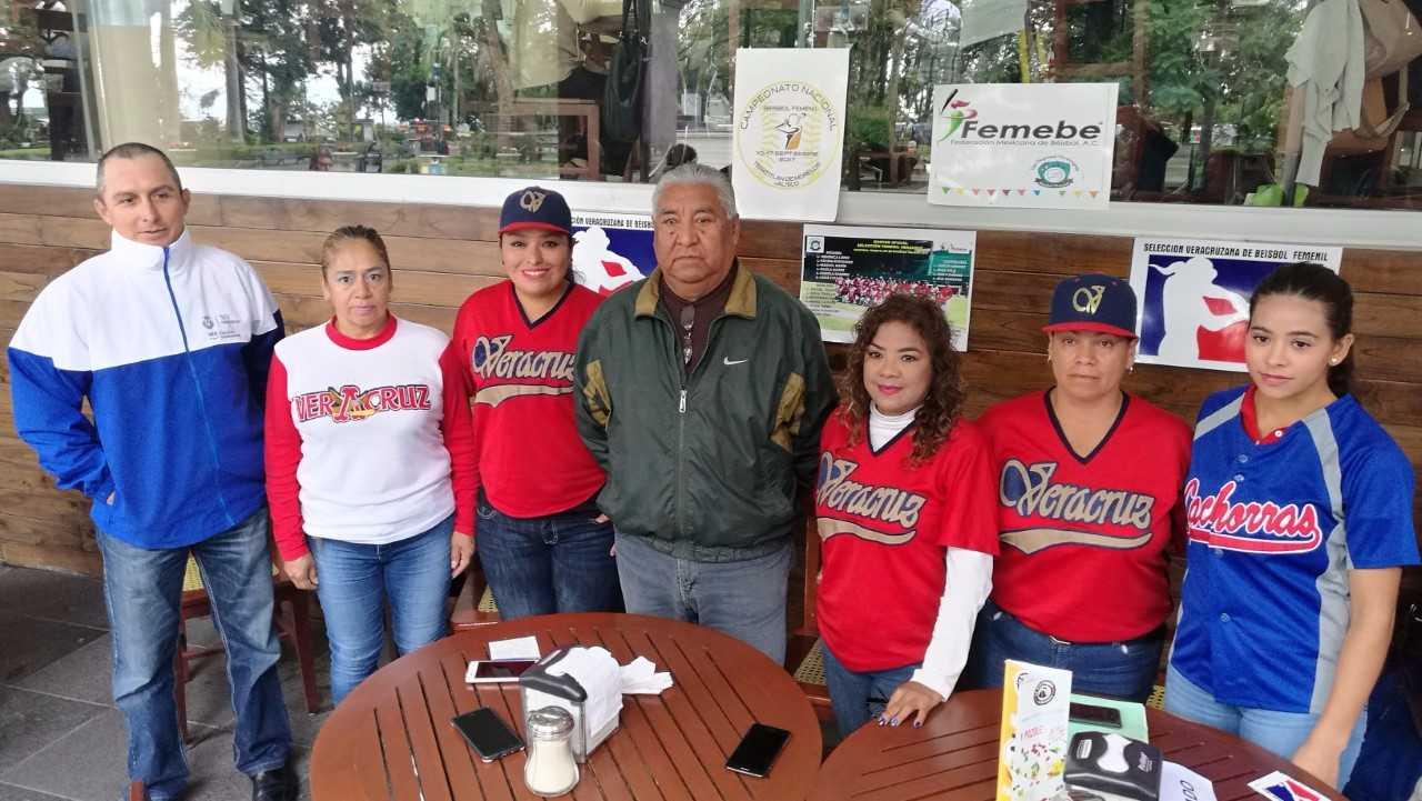Respalda IVD selección de Veracruz  en Nacional de Beisbol Femenil