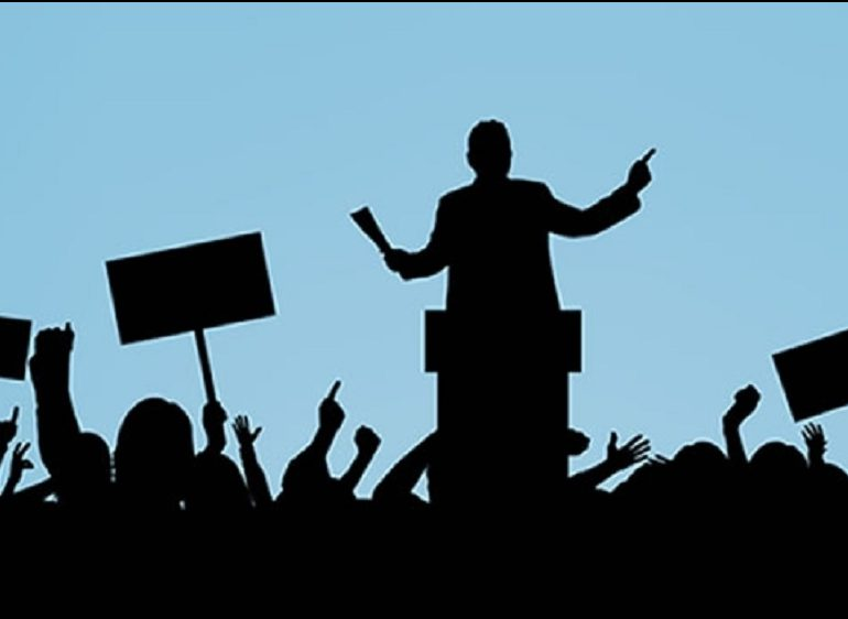 La política se ha vuelto circo, maroma y teatro: doctor Rafael Vela