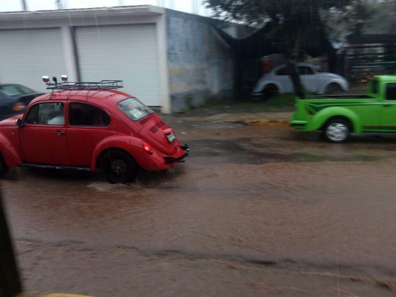 Lluvias del FF 6 expone la contaminación de mantos acuíferosen Huayacocotla