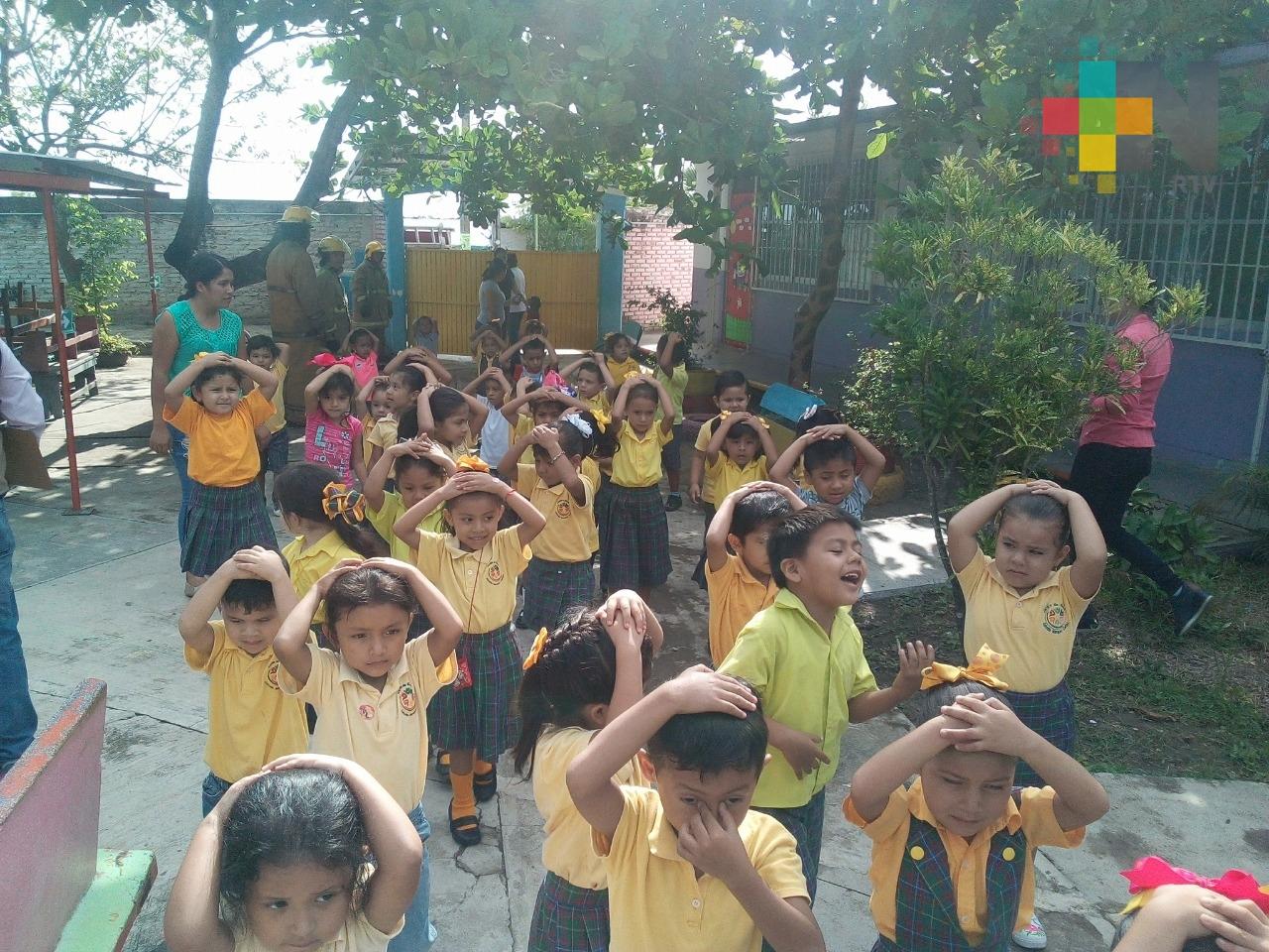 PC y Bomberos de Pánuco realizan simulacro en jardín de niños