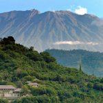 Huyen unas 34 mil personas por inminente erupción de volcán en Indonesia