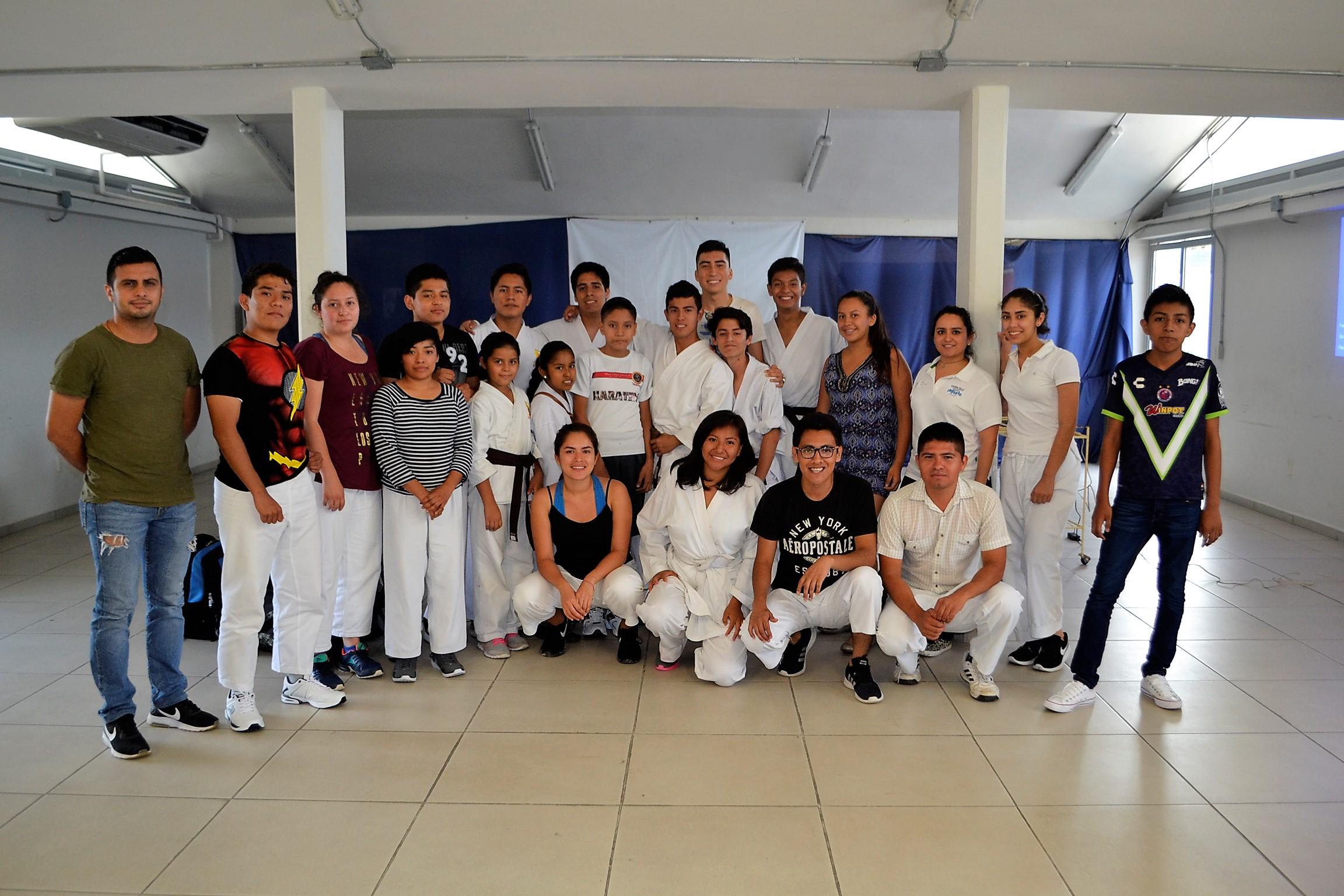 Imparten talleres de psicología para raquetbol, tenis de mesa y karate