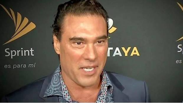 Demandan al actor mexicano Eduardo Yáñez por cachetada a periodista