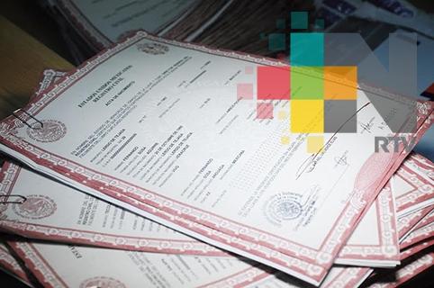 Aclara Registro Civil que nombres de ambos padres siguen apareciendo en actas de nacimiento