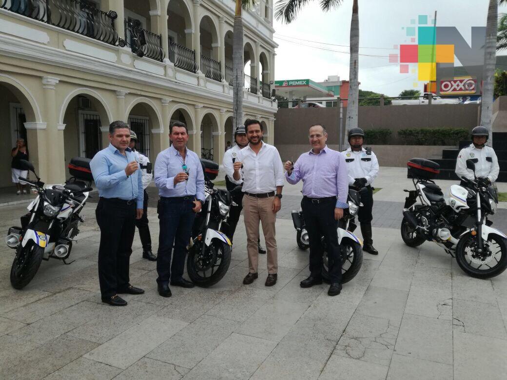 Empresarios donan cuatro motopatrullas a Boca del Río