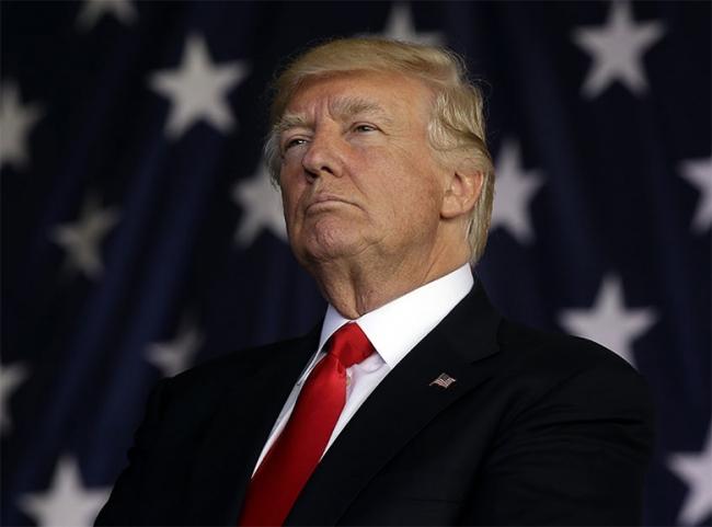 """Trump considera a demócratas """"radicales y de fronteras abiertas"""""""