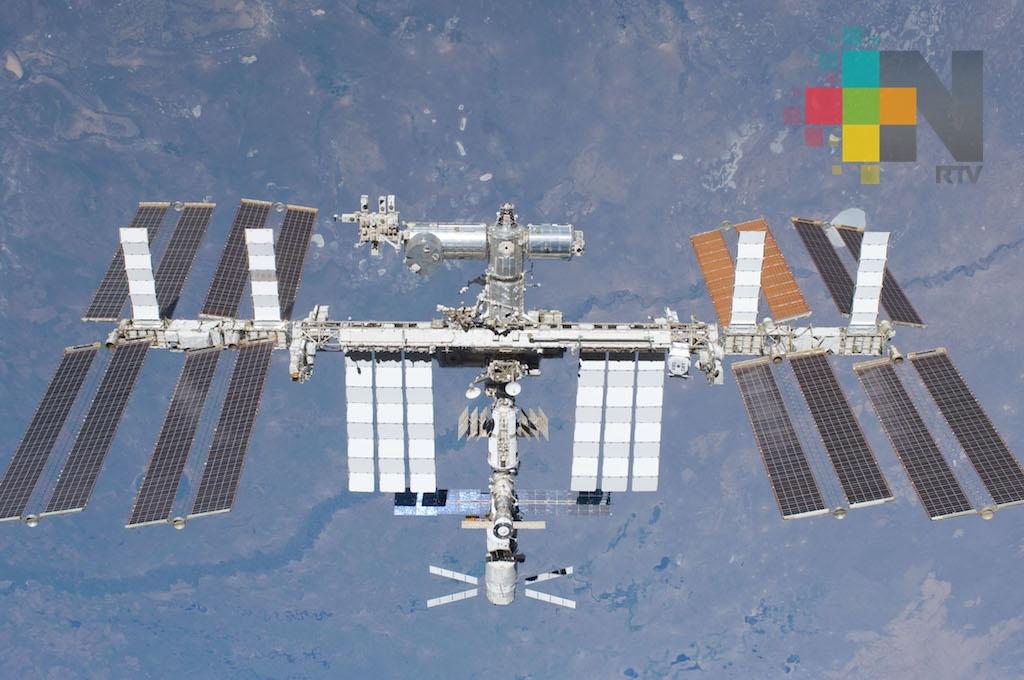 Carguero ruso llega con suministros a la Estación Espacial Internacional