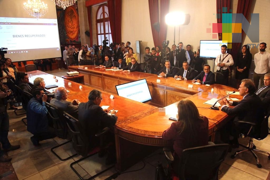 El gobernador Yunes presentó la página para consultar el dinero y bienes recuperados en beneficio de los veracruzanos