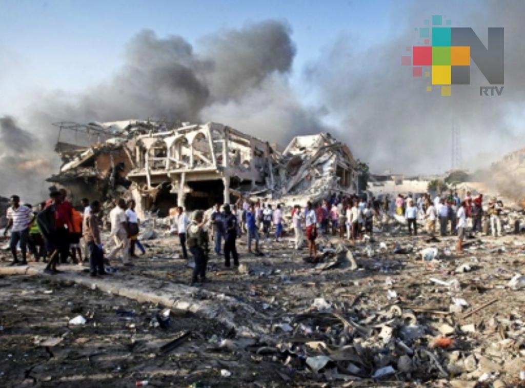 Somalia sepulta a víctimas del peor atentado en su historia