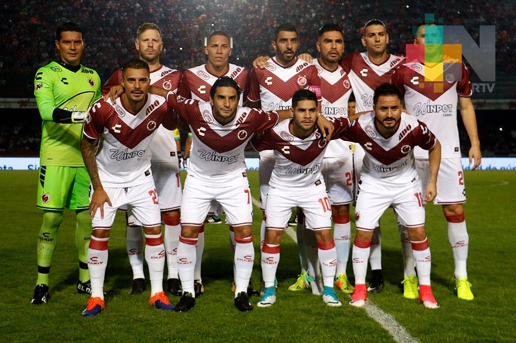 Los Tiburones Rojos caen en vibrante partido ante Chivas