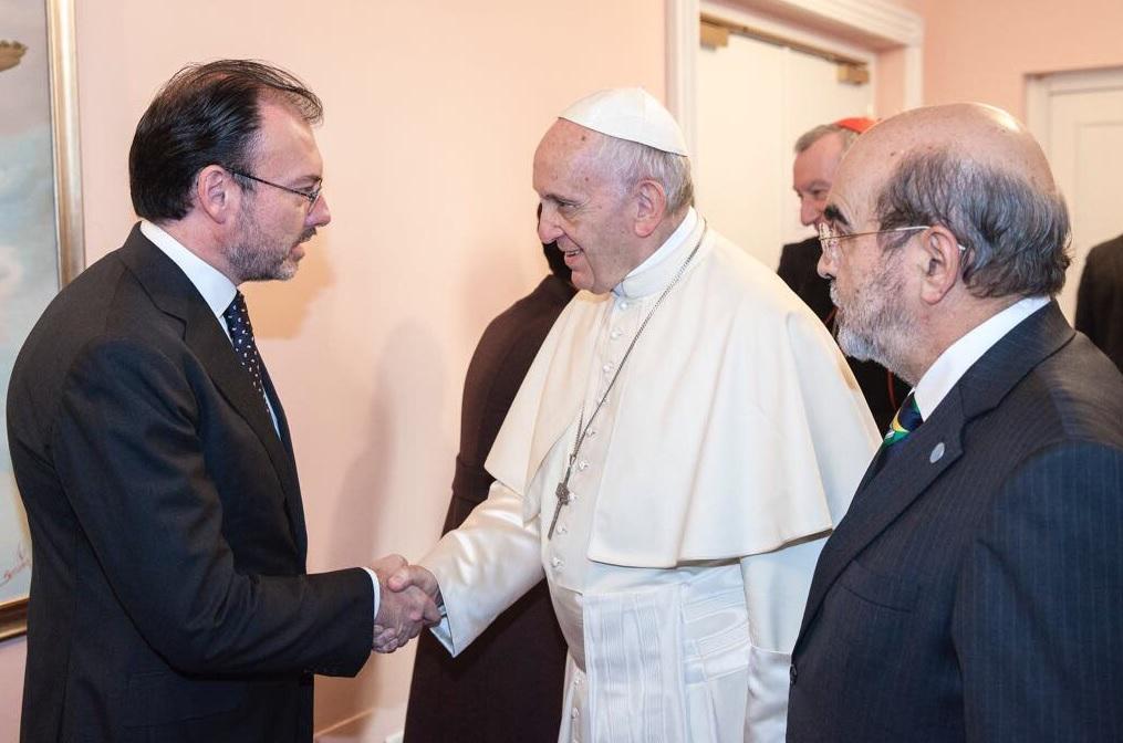 El Papa Francisco sigue orando por México: Luis Videgaray