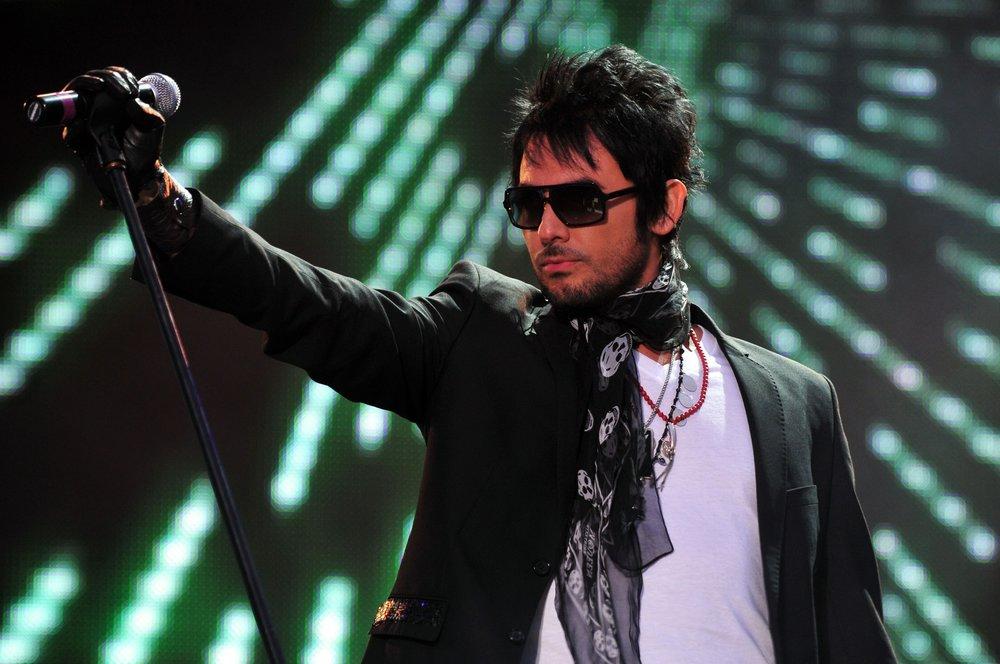"Cantante chileno Beto Cuevas se integra al ""90's pop tour"""